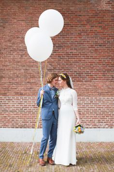 Love this balloon shot of Martijn and Ingelien by Velvetine Photography | www.onefabday.com