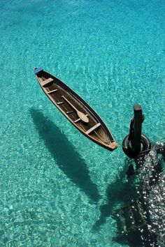Canoe in clear water!