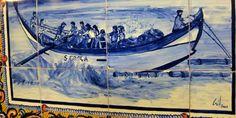 Fliesen: Das Bild zeigt ein traditionelles Boot der Küstenfischer. Portugal