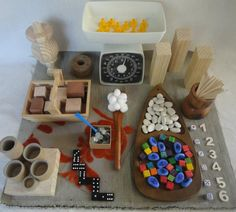 Weighing set - Math invitation to play - Homemade Rainbows