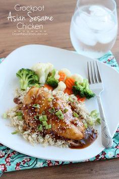 Crockpot Asian Sesame Chicken | DessertNowDinnerLater.com #chicken #dinner #crockpot #slowcooker