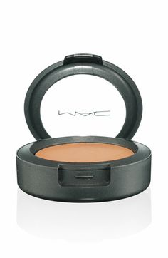 I use Pearl and it makes your face luminous, never glittery. LOVE <3 M·A·C Cream Color Base.