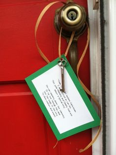 Santas Key - an easy Christmas craft @Breanna Newbill here is a use for the skeleton key from Home Depot!