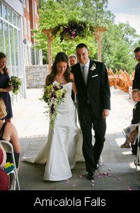 Outdoor Wedding Vow Renewal Ideas