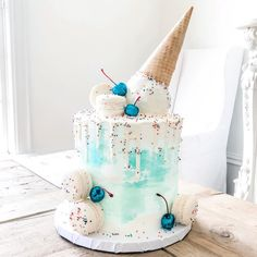 "Wink Bakehouse LLC | by Erica on Instagram: ""For my sassy little cousin who does not like pink what-so-ever. 🙅🏻‍♀️ ⠀ 🎂: Turquoise Funfetti cake with white chocolate peppermint…"""