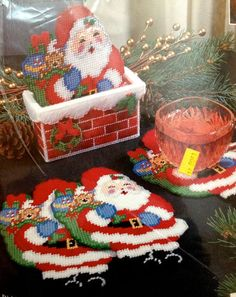 BUCILLA Christmas Kit ~ HERE COMES SANTA Coaster & Holder Plastic Canvas 61210