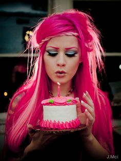 Kelly Eden and her hair, so amazing! crazy hair, hair colors, kelli eden, eye makeup, colorful hair, long hairstyles, pink hair, kelly eden, beauti