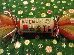 Christmas Cracker finishing tutorial - Magic by Mona blog  http://magicbymona.blogspot.com/2013_07_01_archive.html