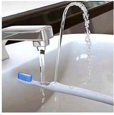 The ingenious rinser toothbrush
