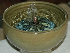 Drinking fountains for cats on pinterest ceramics feng for Diy cat water fountain