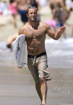 male celebr, scottcaan, actor studio, hawaii 50, at the beach
