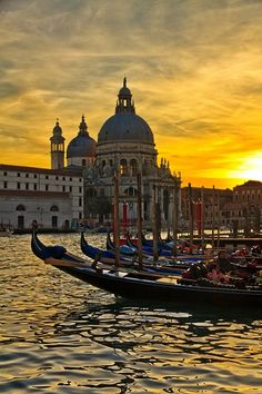 Venice, Italy. Photo by N.Acker #escapecompletely