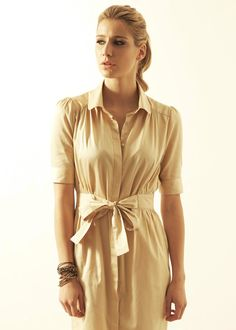Outsider - Fitted Shirt Dress in gold organic cotton sateen