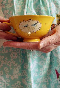 love this cute tea cup