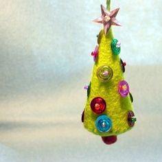 I love felt ornaments