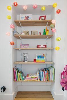 fun lights to frame the bookshelf.  #kids #decor