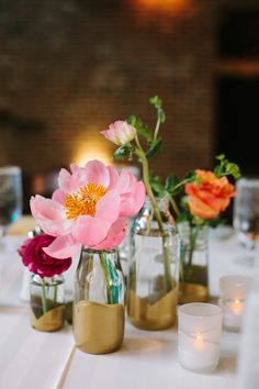 diy dip gold vessels | photo by Sarah Joelle Photography | 100 Layer Cake #diy #vase #gold #dip #dipped #flowers