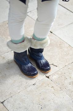 CHIC COASTAL LIVING: A Big British Hello From Joules rain boots