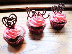 valentine day ideas, heart, chocolates, chocolate cupcakes, chocolate strawberries