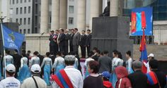 #Elbegdorj, President of #Mongolia, addressing the crowd. Behind him (with white hair) honorary IOC member Magvan,  and NOC president Zagdsuren to Magvan's left. #London2012 white hair, london olymp, olymp 2012, member magvan