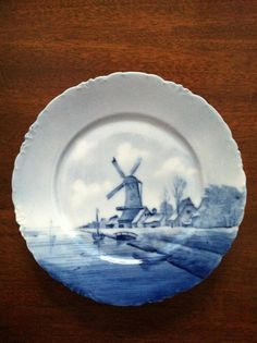 "Delft Versailles 9"" Plate"