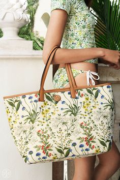 Garden tote meets beach tote | Tory Burch Summer 2014