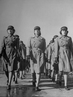 Female Marines, 1944