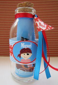 Convite para festa Pirata em garrafa de vidro Pode ser em mapa também.    R$9,00  contato:designfesteiro@gmail.com