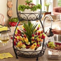 Lovely buffet centerpiece!