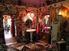 Celebrating the Unusual With HGTV's Home Strange Home : On TV : Home & Garden Television