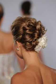 chic updo, wedding ideas, hair pieces, wedding updo, wedding hairs, hairstyl, dream wedding, wedding centerpieces, winter weddings