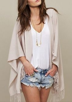 Add a kimono to your basic white T and denim shorts - don't forget to pile on the jewelry! #concertfashion