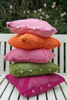 cushions with buttons