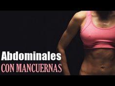 Rutina de ejercicios de abdominales con mancuernas.