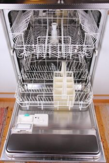 tips for cleaning a dishwasher
