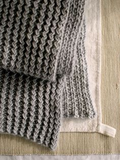 Whit's Knits: Rick Rack Scarf - The Purl Bee - Knitting Crochet Sewing Embroidery Crafts Patterns and Ideas!