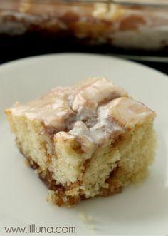 Cinnamon Roll Cake Recipe on { lilluna.com }