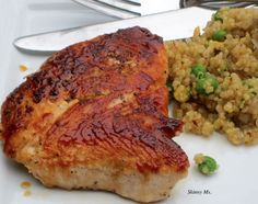 Turkey Cutlets with Quinoa Pilaf!! The perfect healthy meal for a hungry family. #cleaneating #healthy #skinnyms #recipes