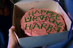 Harry Potter birthday cake! @Stephanie Mahuron please make this for my bithdayy! but with my name.... not harry! hahah Harri Potter, Happy Birthdays, Harry Potter Cakes, First Birthdays, Chocolate Cakes, Cake Recipes, Dessert, Parti, Birthday Cakes