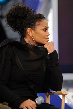Janet Jackson and that curly bun!!