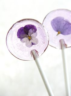 Lollipops With Edible Flowers