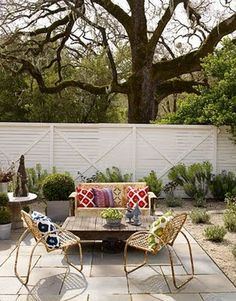 love this outdoor seating area