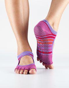 yoga socks: HALF TOE BELLA GRIP SOCKS