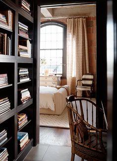 Hall (or closet?) workspace en suite to bedroom; Eric Cohler; John Granen photo