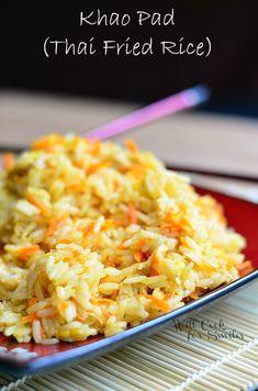 Khao Pad (Thai Fried Rice) | willcookforsmiles.com #thai #friedrice