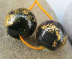 Deep green with 24k gold matched pair of earring beads SRA lampwork *kitzbitz*
