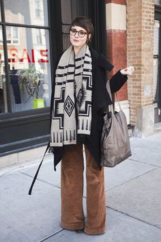 wide leg pants, short hair, street fashion, street style, outfit, glass, scarves, chicago, scarf