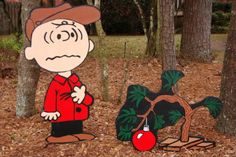 Charlie Brown Christmas yard decor.  So much effort involved to make, but such an awesome idea! tutorial.