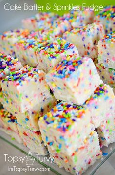 cake batter fudge, chocolate chips, sprinkles, fudge recipes, food, cake mixes, white chocolate, birthday cakes, dessert