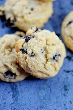 Soft Oatmeal Raisin Cookies Recipe from @addapinch | Robyn Stone